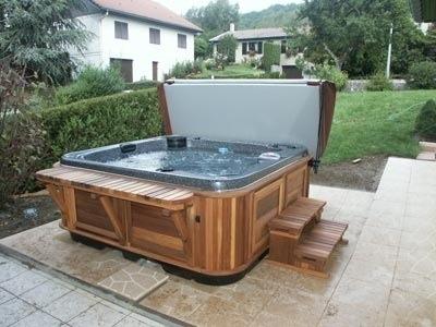 arctic-spas-hot-tub-on-tile-patio